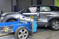 Peugeot 3008 2016 (Euro NCAP) (4)
