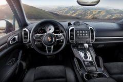 Porsche Cayenne S Platinum Edition 2017 (3)