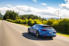 Porsche Panamera Turbo Sport Turismo 2017 (6)