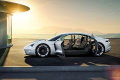 Porsche Taycan Mission E (2)