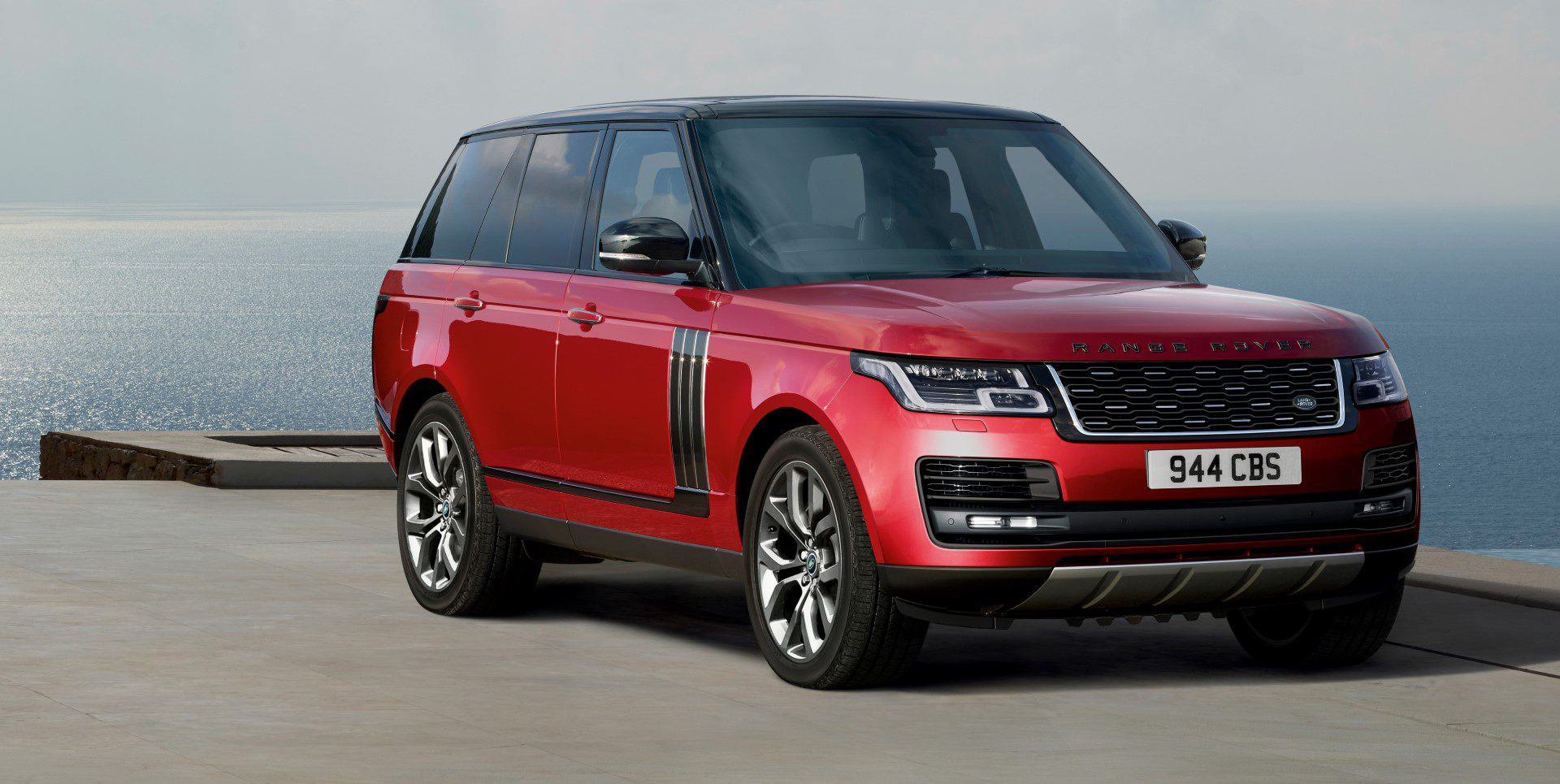 weer up to date de vernieuwde range rover. Black Bedroom Furniture Sets. Home Design Ideas