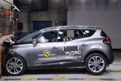Renault Scénic 2016 (Euro NCAP) (1)