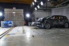 Renault Scénic 2016 (Euro NCAP) (3)