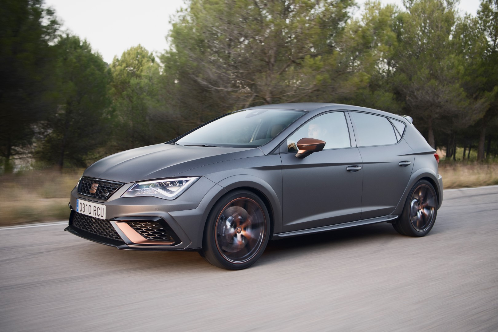 fotospecial seat leon cupra r 2018. Black Bedroom Furniture Sets. Home Design Ideas