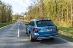 Škoda Octavia Scout 2017 (2)