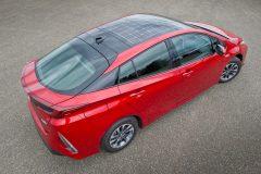 Toyota Prius Plug-in Hybrid 2017 (4)
