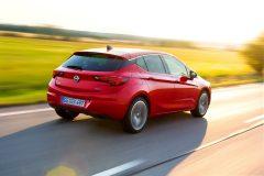 Opel Astra 2015 (12)