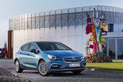 Opel Astra 2015 (16)