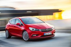 Opel Astra 2015 (1)