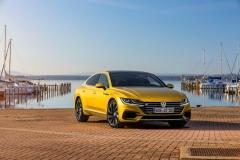 Volkswagen Arteon 2017 (1)
