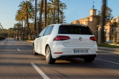 Volkswagen e-Golf 2017 (14)