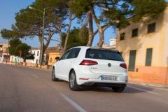Volkswagen e-Golf 2017 (16)