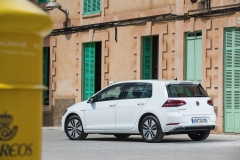 Volkswagen e-Golf 2017 (9)