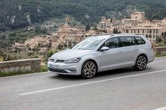 Volkswagen Golf Variant 2017 (1)