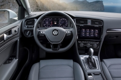 Volkswagen Golf Variant 2017 (17)