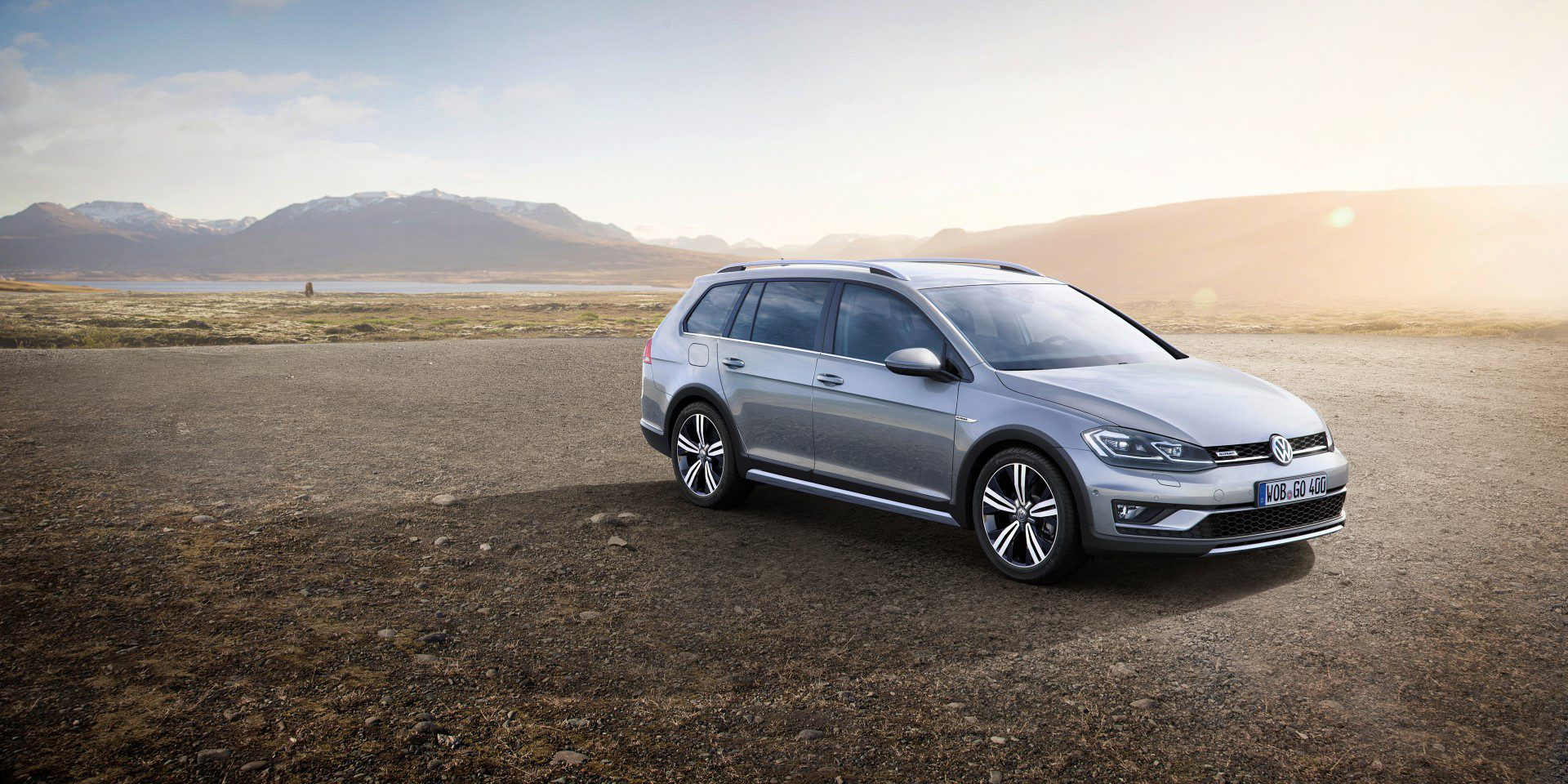 volkswagen presenteert vernieuwde golf variant alltrack. Black Bedroom Furniture Sets. Home Design Ideas