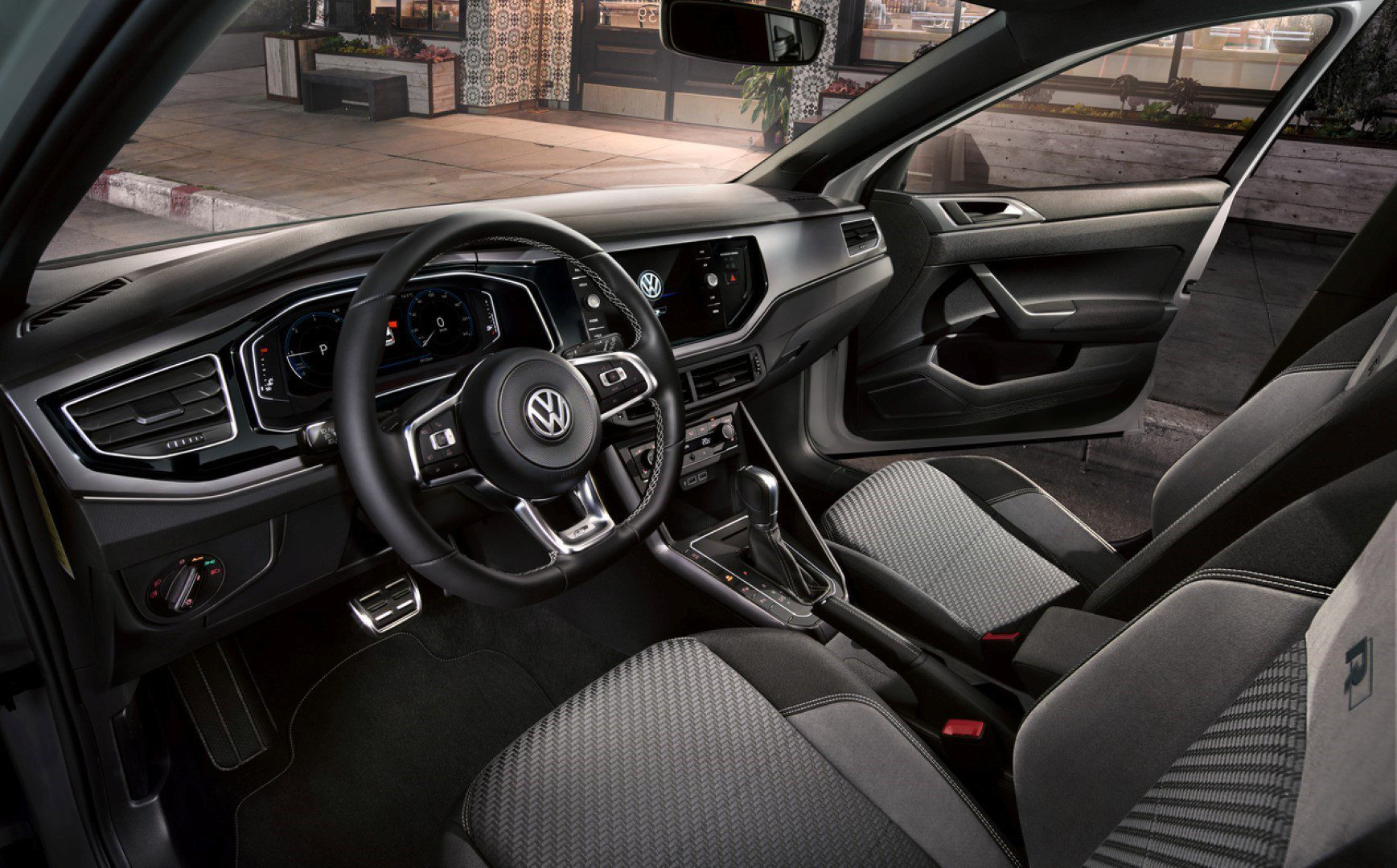 Volkswagen polo met sportieve r line styling for Polo 7 interieur