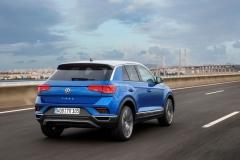 Volkswagen T-Roc 2017 (12)