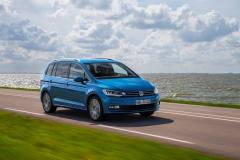 Volkswagen Touran 2015 (1)