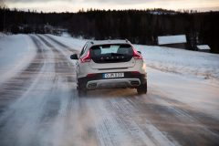 Volvo V40 Cross Country 2017 (3)