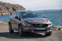 Volvo V60 Cross Country 2016 (1)