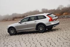 Volvo V90 Cross Country 2017 (12)