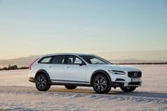 Volvo V90 Cross Country 2017 (14)