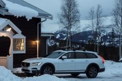 Volvo V90 Cross Country 2017 (18)