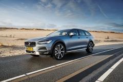 Volvo V90 Cross Country 2017 (2)