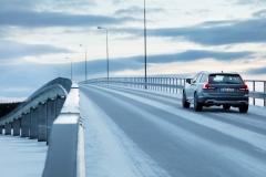 Volvo V90 Cross Country 2017 (24)