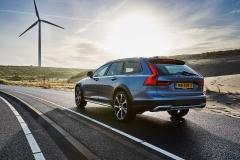 Volvo V90 Cross Country 2017 (4)