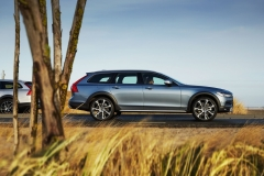Volvo V90 Cross Country 2017 (5)