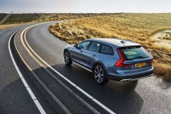 Volvo V90 Cross Country 2017 (8)