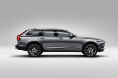 Volvo V90 Cross Country 2017 (5)