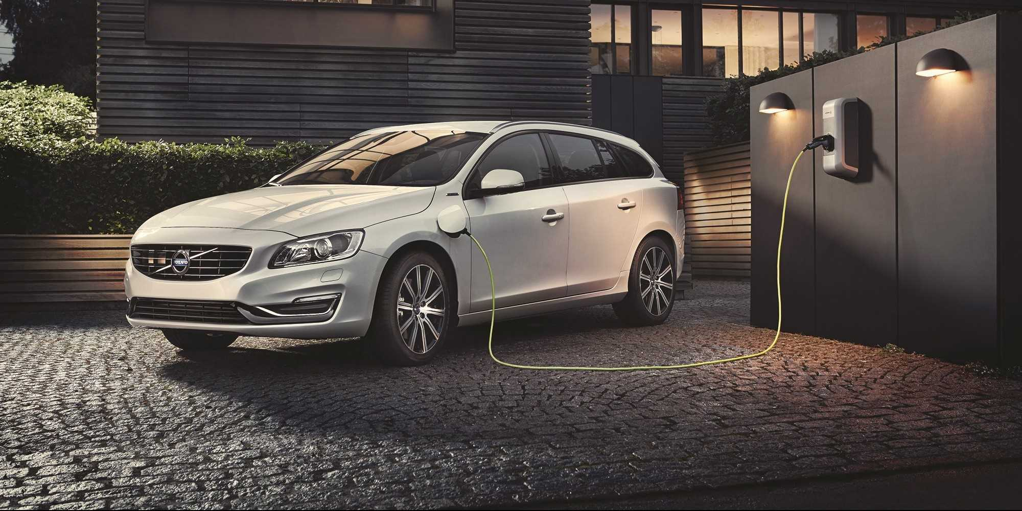 Volvo V60 Twin Engine 2016