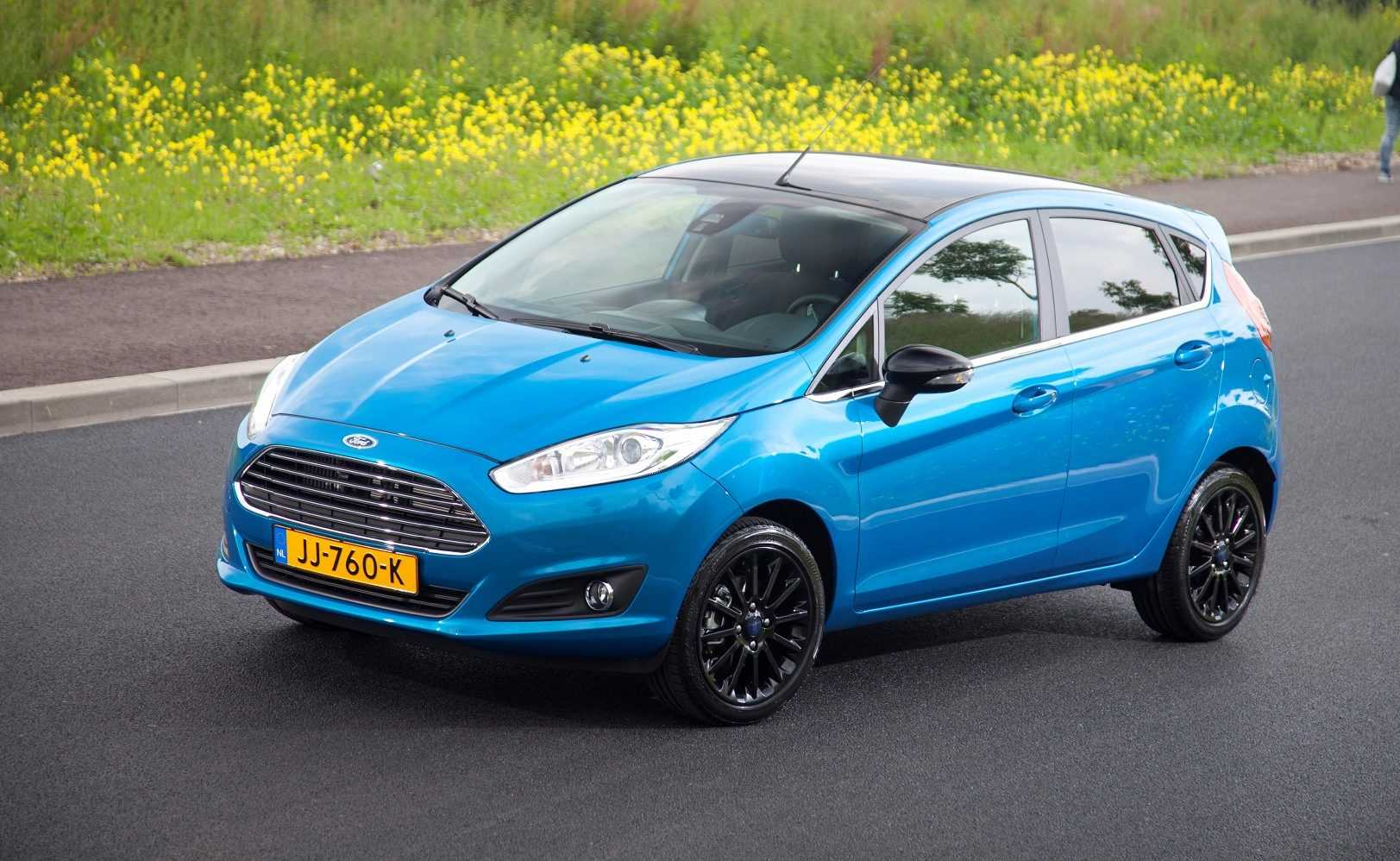 Ford Fiesta Silver Edition & Candy Blue Edition 2016