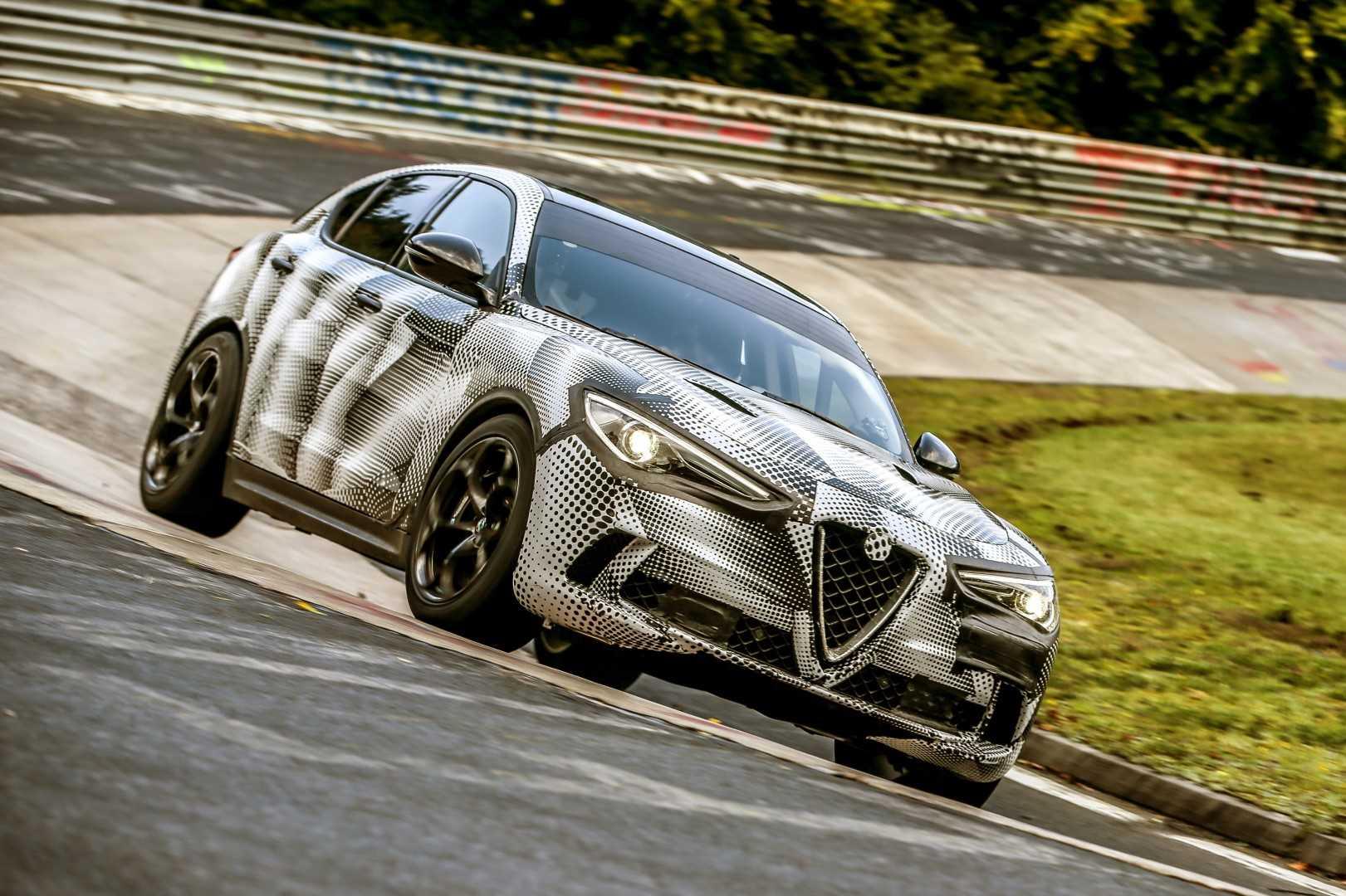 Alfa Romeo Stelvio Quadrifoglio Nordschleife 2017