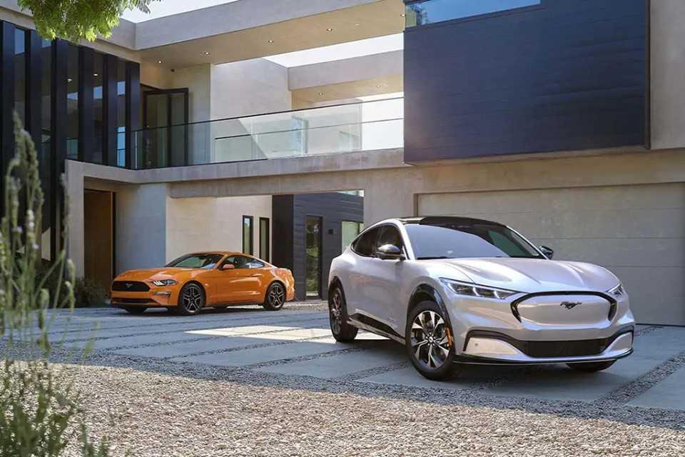 Ford Mustang en Mach-E