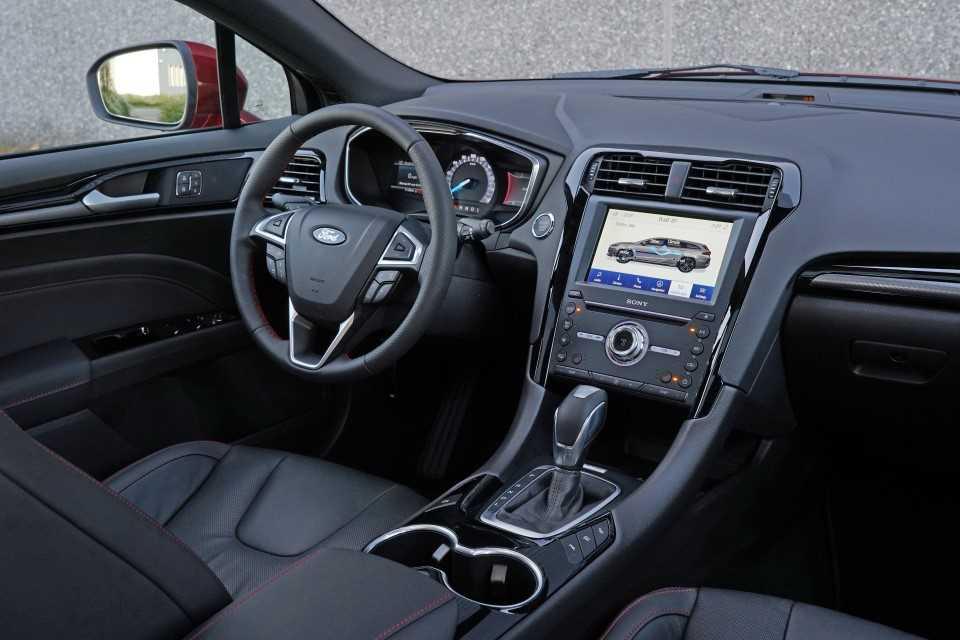 Ford Mondeo ST-Line Hybrid