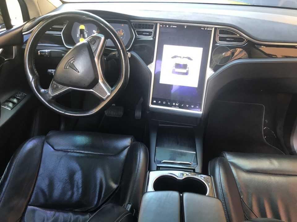Tesla model X onderhoud
