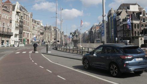 Auto's testen tijdens de corona-crisis