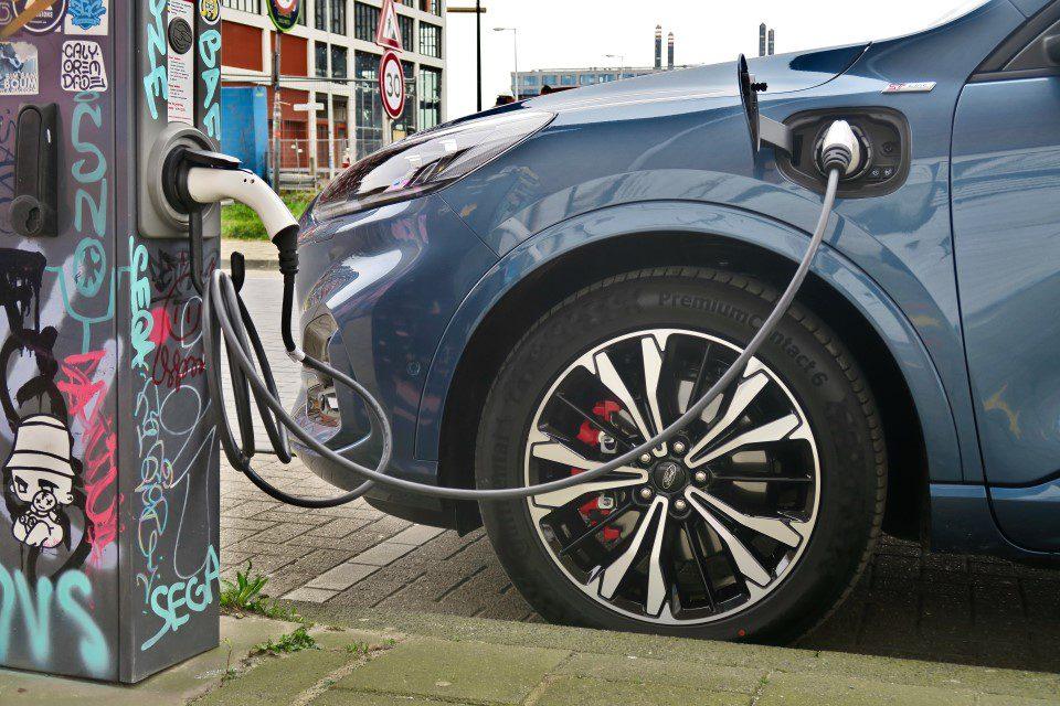 Ford Kuga Plug-In Hybride - EVCableHook
