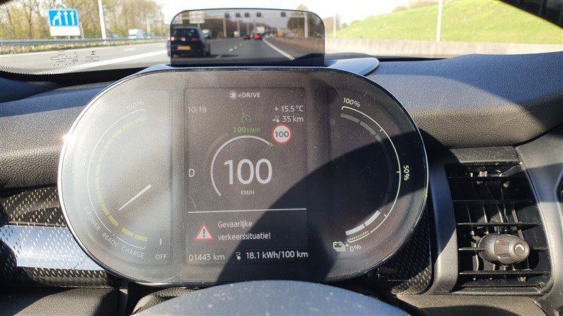 rijtest MINI Electric snelweg