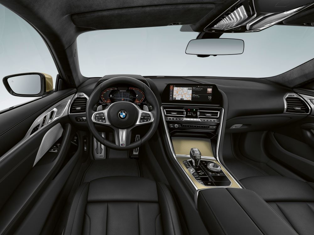 interieur BMW 8 Golden Thunder