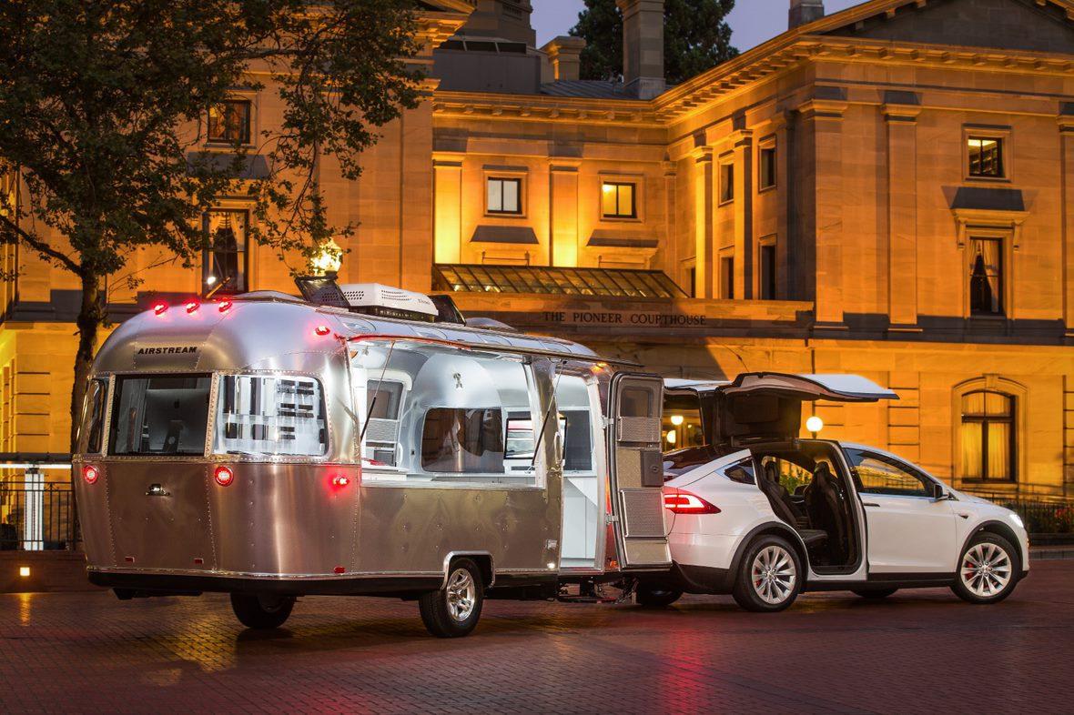 Tesla Model X elektrische auto caravan
