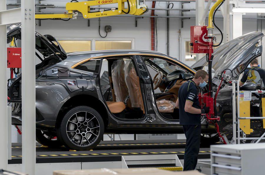 Aston martin DBX productielijn