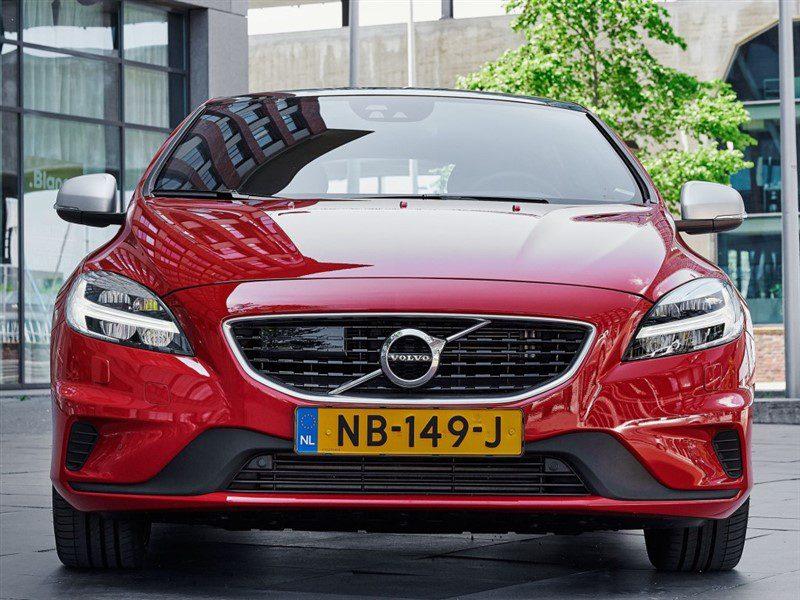 Volvo V40 voetgangers-airbag