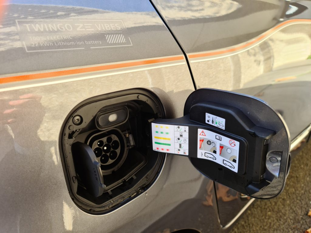 Renault Twingo Electric opladen