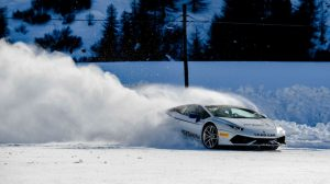 Lamborghini Huracan snow