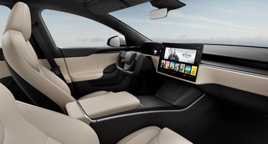 Nieuw interieur Tesla Model S 2021 creme kleurig